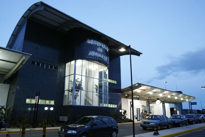 Aeroporto Em Sc : Aeroporto de joinville sc telefone vôos endereço e